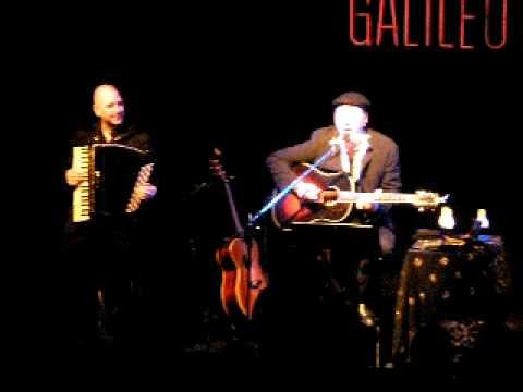 Rev lver concierto madrid sala galileo galilei primera for Sala galileo conciertos