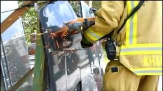 The EXTRACTOR Rescue Blade™ - Cutting Car Hood