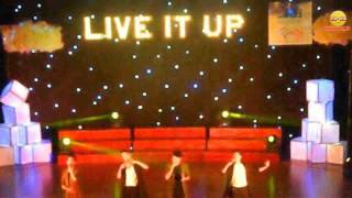 [Live It Up] Live While we