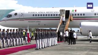 Mexico President Nieto arrives in Manila for APEC 2015