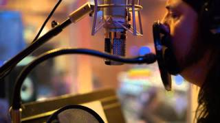 Foo Fighters - Inside the recording of Sonic Highways - Subterranean  (excerpt)