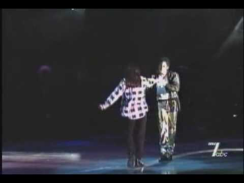 michael-jackson--you-are-not-alone-(live)