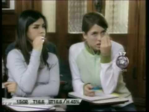 Florencia Bertotti y Isabel Macedo en Son Amores (Alumna vs Profesora) thumbnail