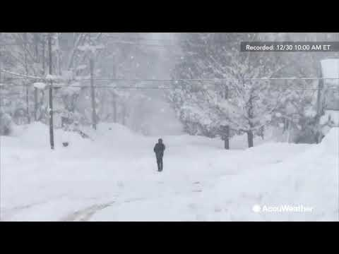Reed Timmer reports another round of lake-effect snow piling in Erie, Pennsylvania
