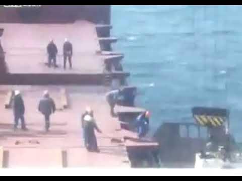 Insiden crane di atas kapal