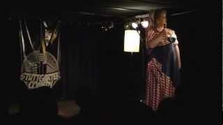 Daphne de Luxe beim 16. Stuttgarter Comedy Clash (03.02.2013) anmoderiert von Niko Formanek
