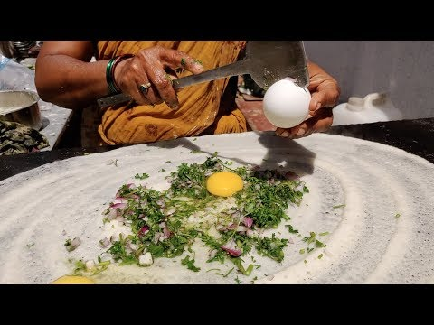 Indian Lady Selling Egg Dosa for Rs 25 | Anda Dosa | Indian Street Food