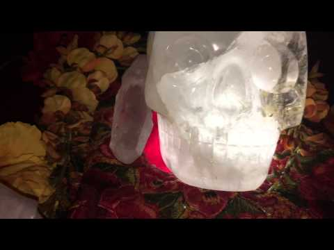 Crystal Skulls Yosu, and Ancient skull Max meet