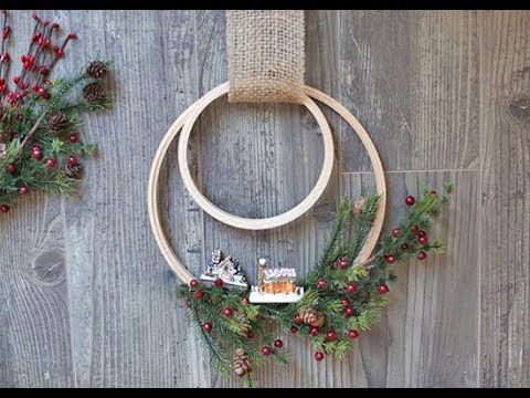 Christmas Embroidery Hoop Wreath.Embroidery Hoop Holiday Wreath Tutorial