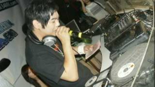 DJ Jerry 羅百吉 - 操你媽個B