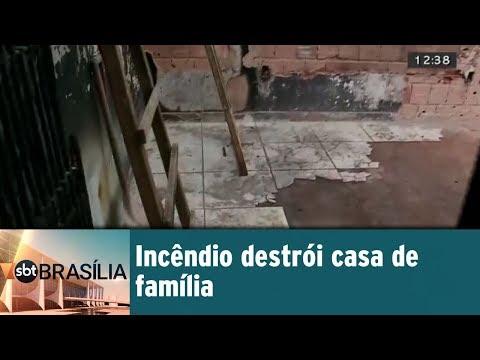 Incêndio destrói casa de família