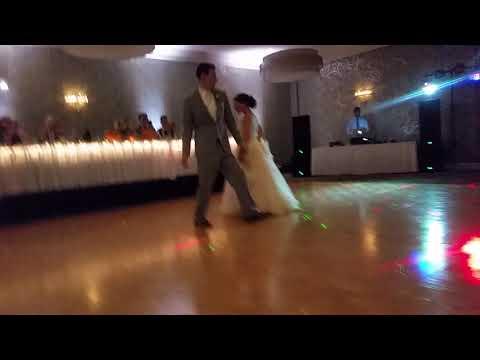 Bride & Groom Dance goes Cra Cra for the Roberts Wedding