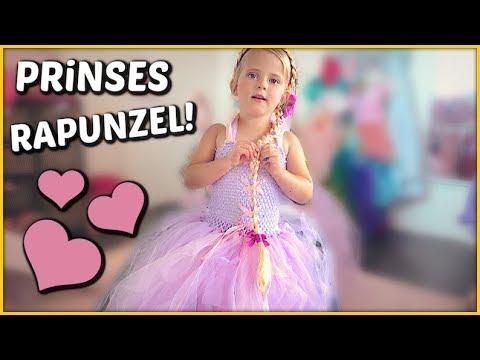 LUCiLLA VOOR 1 DAG PRiNSES RAPUNZEL 👸   Bellinga Familie Vloggers #1431