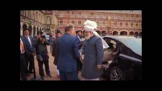 Huzoor's (atba) Interview By The Dutch Press
