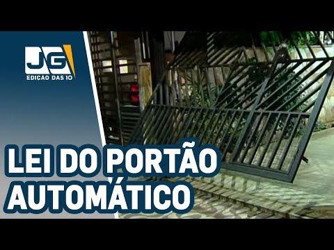 Portão automático não pode invadir calçada