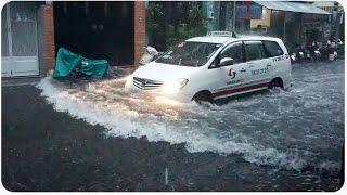 Flooding in Quan Binh Thanh, Vietnam | Makeshift Swimming Pools