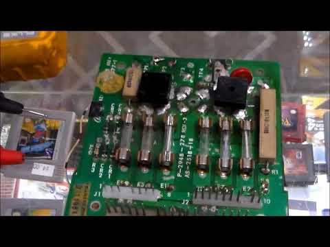 1979 Bally Star Trek Pinball Machine Repair - Fixing the boardset First