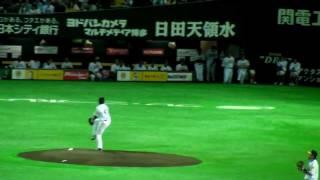 2011 日本シリーズ 第7戦。 試合前、投球練習です。 ソフトバンクホーク...