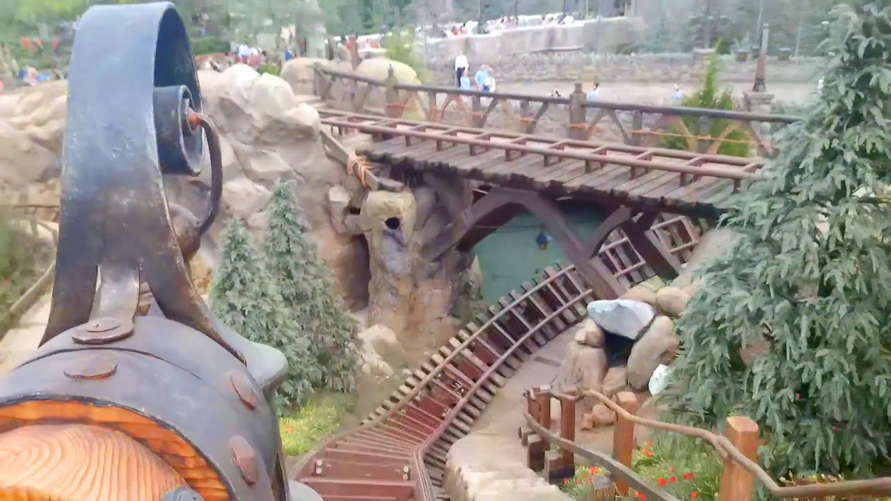 7 dwarfs ride