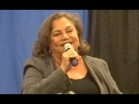 Kathleen Turner Q&A  Steel City Con  Pittsburgh, PA  August 11, 2018