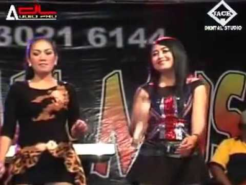 Hot Dangdut -  pecah seribu