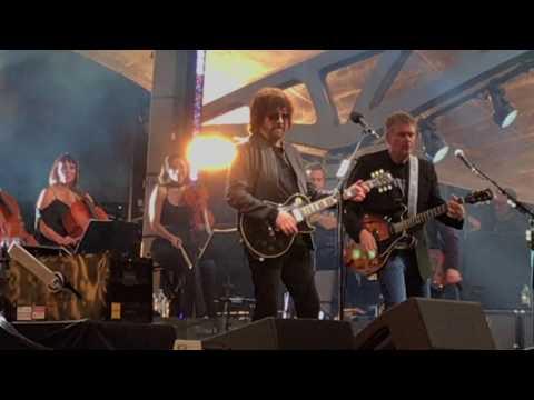 Do Ya    Jeff Lynne's ELO   Wembley 2017  *LIVE* FRONT ROW  *4K HD*