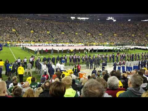 Milwaukee Symphony Orchestra & Chorus performs the national anthem at Lambeau Field - Oct 20, 2016