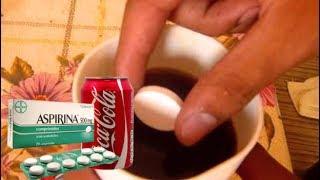 Esto sucede si mezclas coca cola y aspirinas