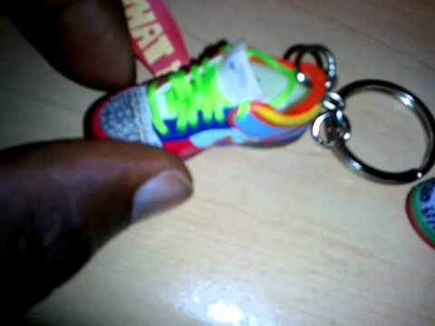 reputable site 13fe8 1f483 Nike sb what the dunk keychain