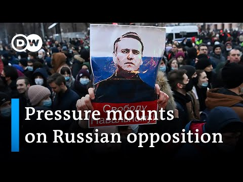 Russia: Crackdown on opposition and independent media | DW News