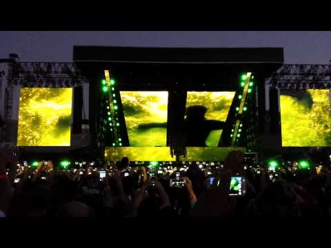 Eminem Rihanna Monster Tour intro