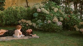 Hande Ataizi ve Oğlu Leon