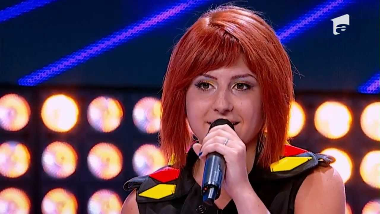 X Factor Romania, sezonul trei - Prezentare: Diana Antonica a venit cu cainele la preselectii