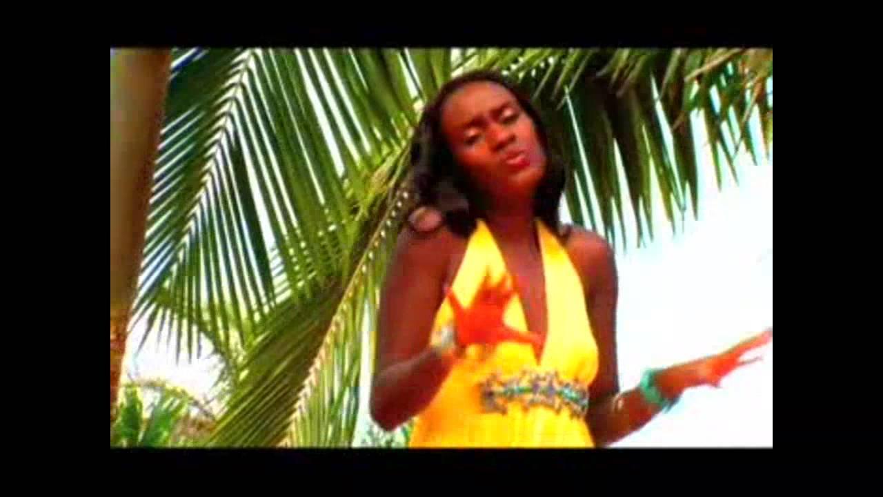 Download Juliana Kanyomozi ft Bushoke - Usiende Mbali New Ugandan Music