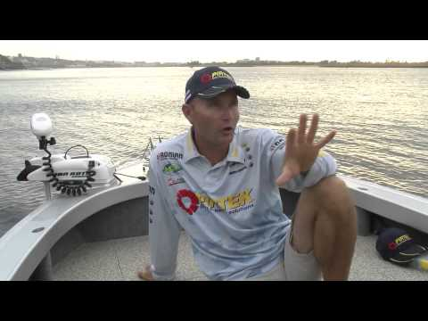 Fishing For Jewfish / Mulloway With LiveBaits - Reel Action TV