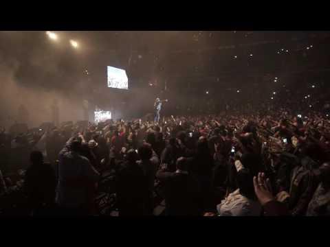 R. Kelly Live Concert Tour Huge Mannequin Challenge With Verizon Center Crowd