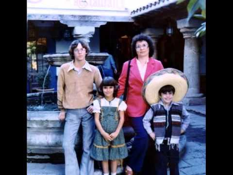 EMBARRASSING FAMILY VACATION PHOTOS, Awkward Family Photos