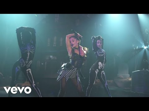 Ariana Grande - Problem (Live on the Honda Stage...