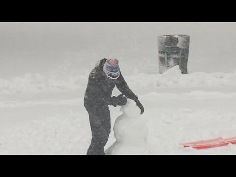 Thumbnail: Winter storm blankets Boston with snow