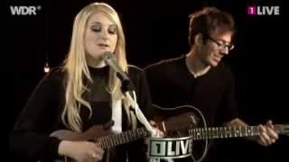 Meghan Trainor - Lips Are Movin (Live)