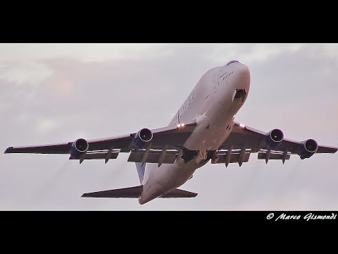 Boeing 747-400 Dreamlifter landing & takeoff at Taranto-Grottaglie (Alenia base)