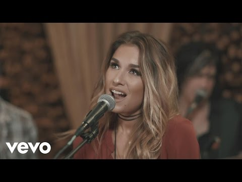 Jessie James Decker – Baby It's Cold Outside