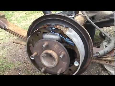 2001 Chevy S10 43L (2WD) Rear Brake Replacement  Part 2