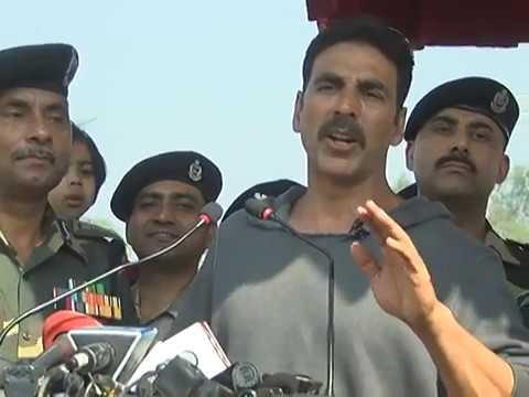 Superstar Akshay Kumar addressing BSF jawans in Jammu