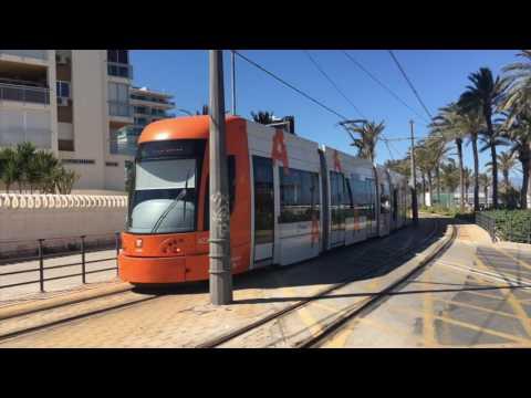 Trenes de via estrecha FGV Tram Alicante.
