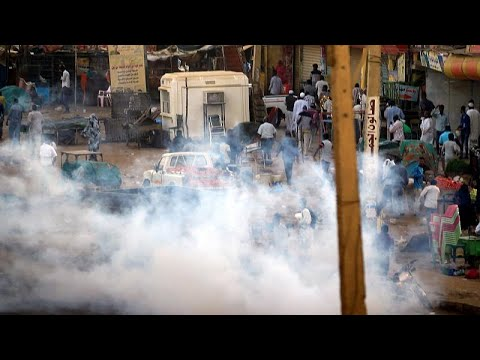الشرطة السودانية تفرق مئات المتظاهرين مع وصول الاحتجاجات إلى كَسَلا…  - 22:53-2019 / 1 / 16