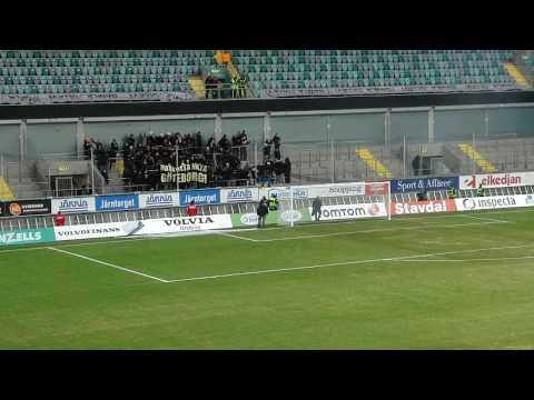AIK:are in på Gamla Ullevi före match!