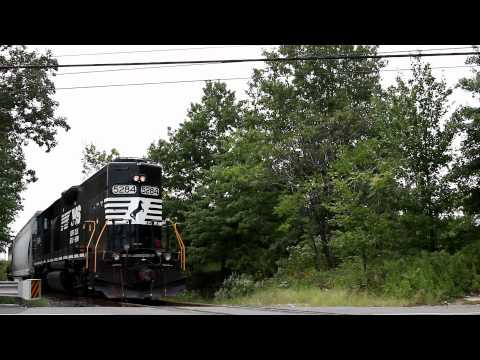 Norfolk Southern with Conrail Caboose - New Brunswick & Jersey Avenue
