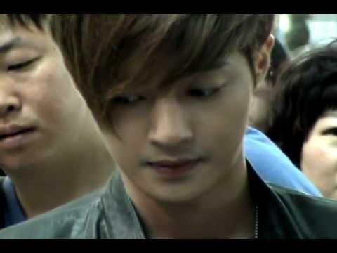 download 120608 KIM HYUN JOONG fancam - Incheon Itnl' Airport (leaving for Shanghai)