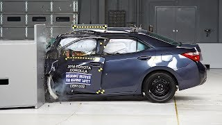2014 Toyota Corolla small overlap IIHS crash test